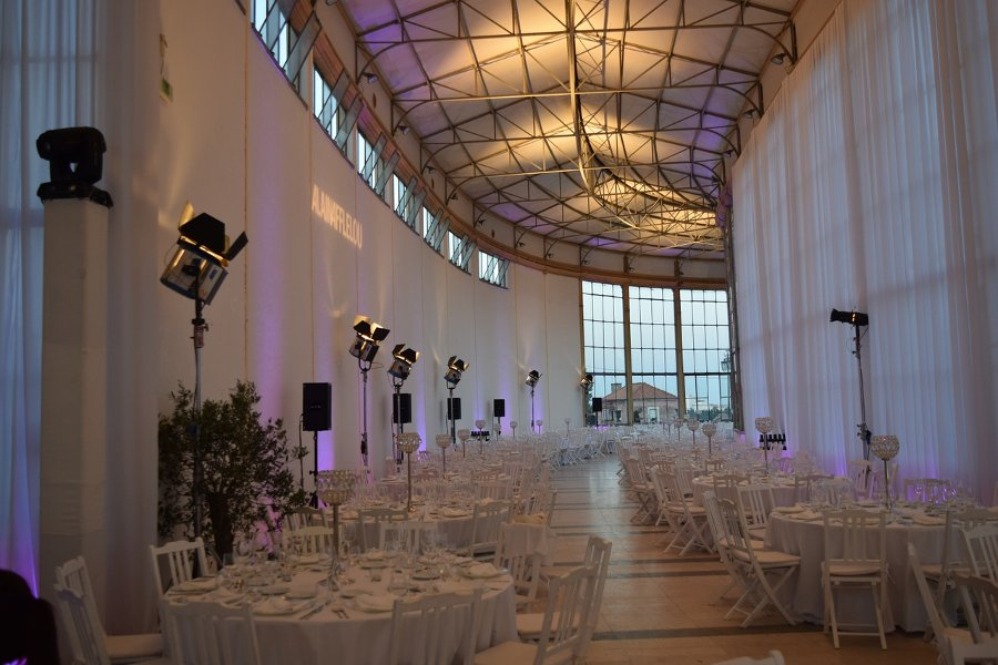 corporate-entertainment-venue-decor